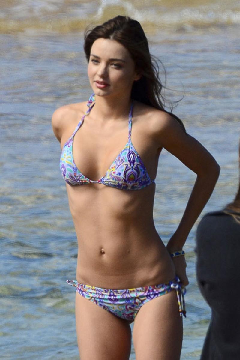 Comparte esta historia: exafm.com/#!/ciudaddelcarmen/galerias/las-mas-sexys-en-bikini-1.html